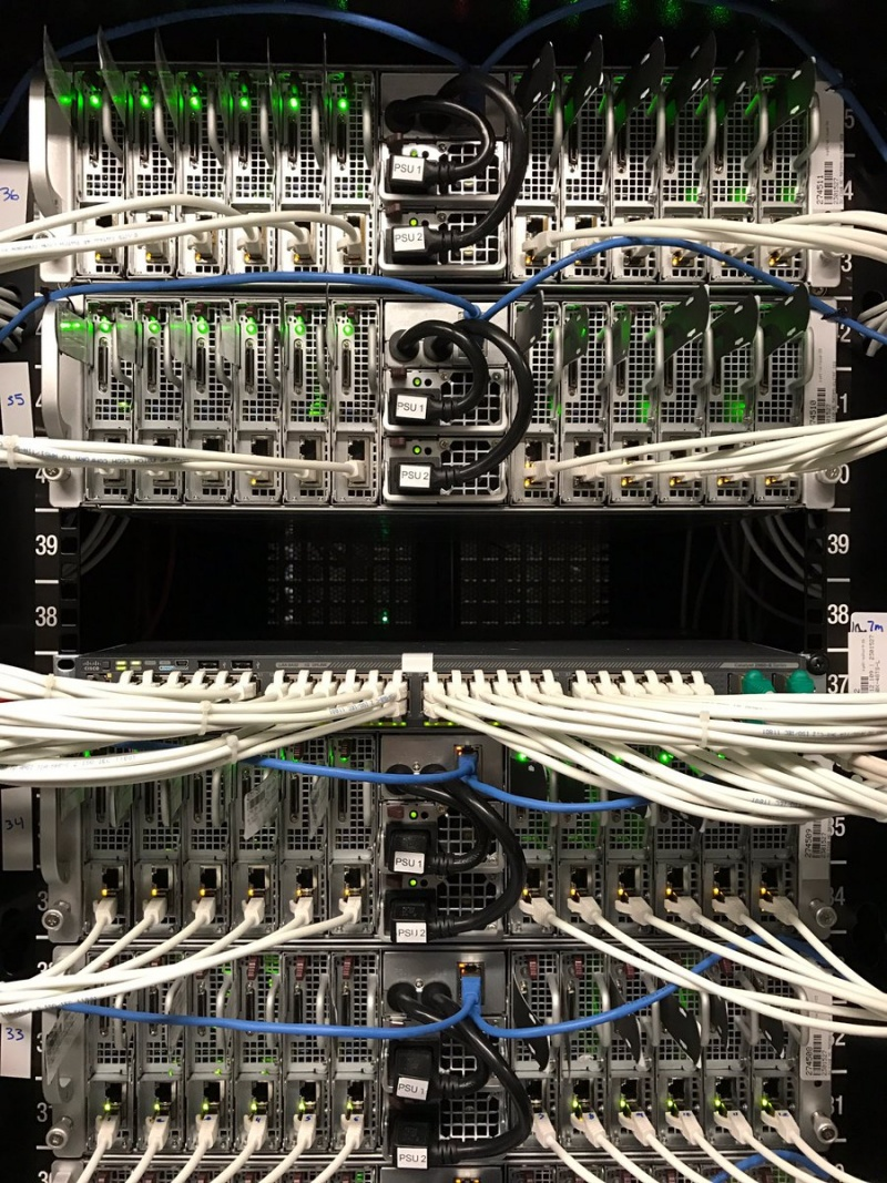 DC Singapour: we have 2000 dedicated servers ready for the